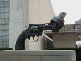A pro-peace sculpture by Swedish artist Carl Fredrik Reuterswärd at the U.N. in New York.