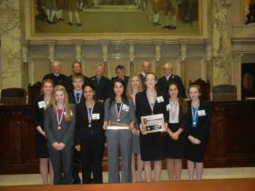 Rhinelander Mock Trial team with the Wisconsin Supreme Court.