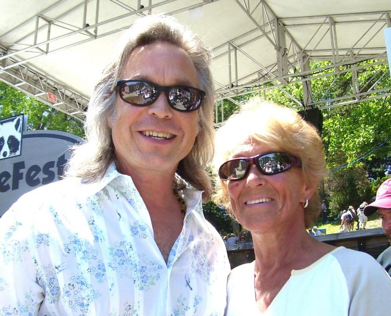 Theresa and Jim Lauderdale