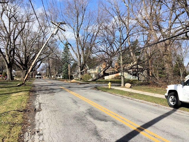 You can tell the direction the wind was blowing in this picture from Irondequoit.