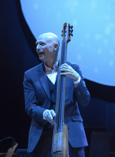 Tony Levin performs at the Rochester Music Hall of Fame ceremony