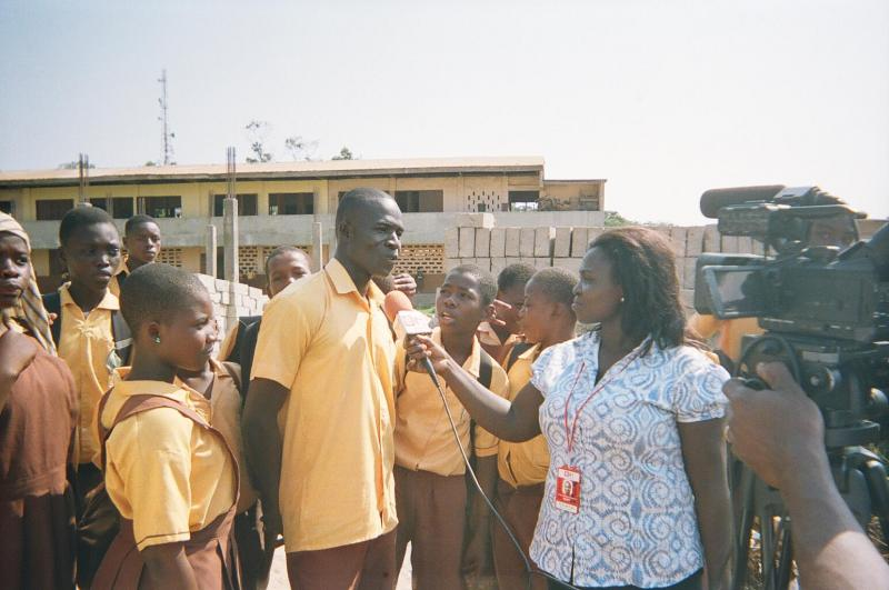 Public school student Eric Adulla talks to an e.TV Ghana reporter.