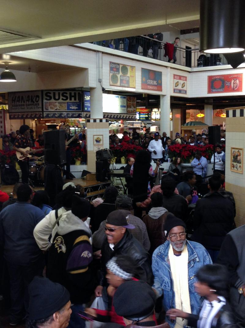 On the weekends, crowds gather for live music.