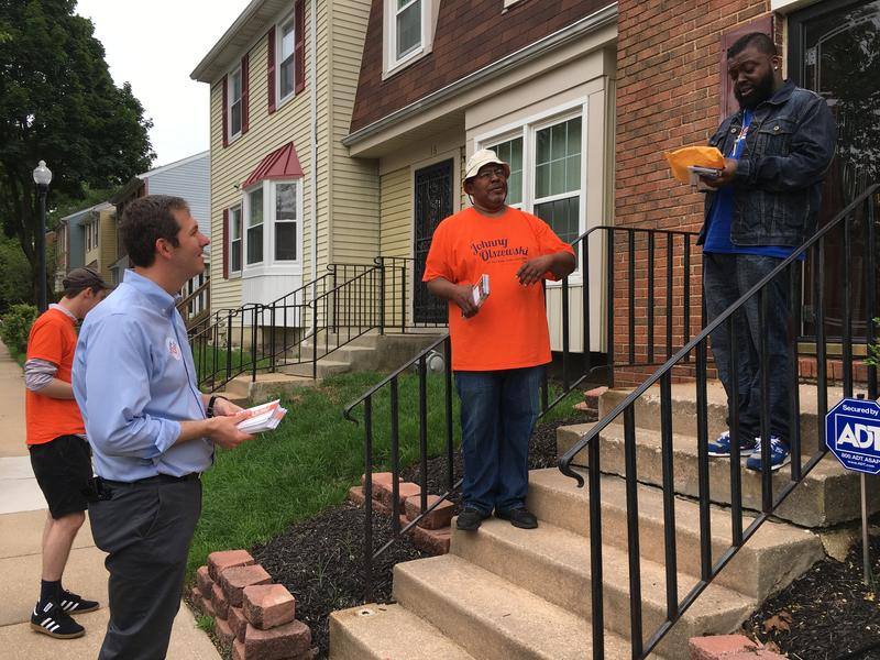 Former Delegate Johnny Olszewski campaigns in Woodlawn