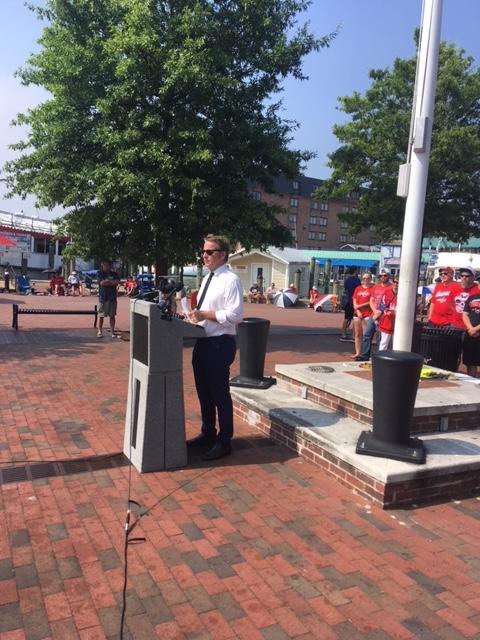 Annapolis Mayor Gavin Buckley annunces the flags will be flown at half staff