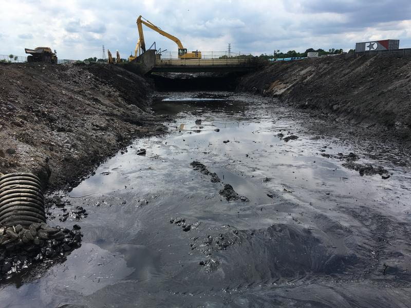 Section of the Tin Mill Canal being cleaned
