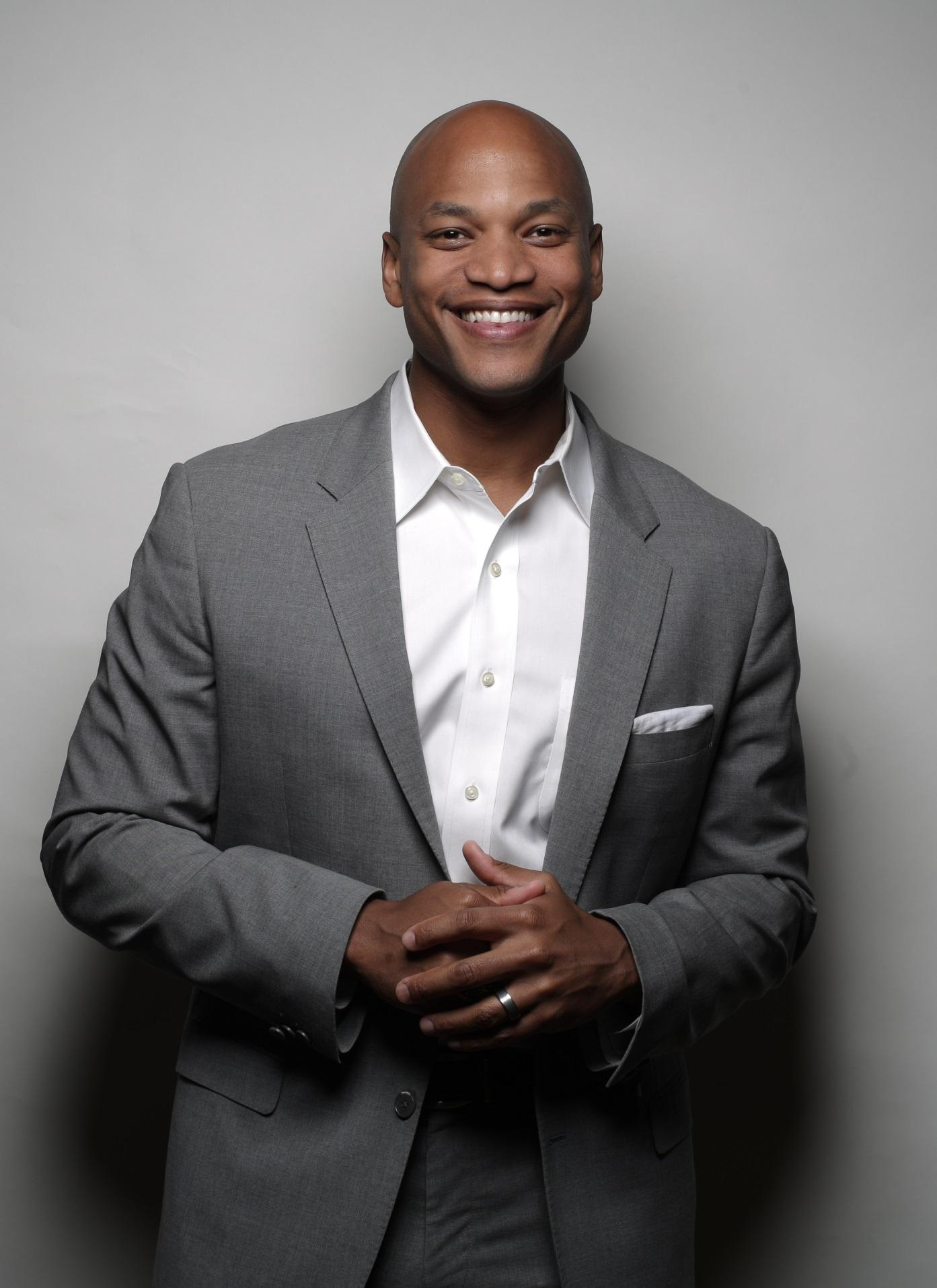 wes moore The pass the mic series showcases voices, perspectives and ideas that spark  interesting conversations wes moore is an army combat.