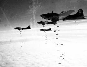 A B-17 bomber crew 1943