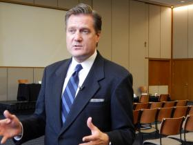 Ohio U.S. Congressman Mike Turner (R-10th) speaks at Sinclair Community College about sequestration.
