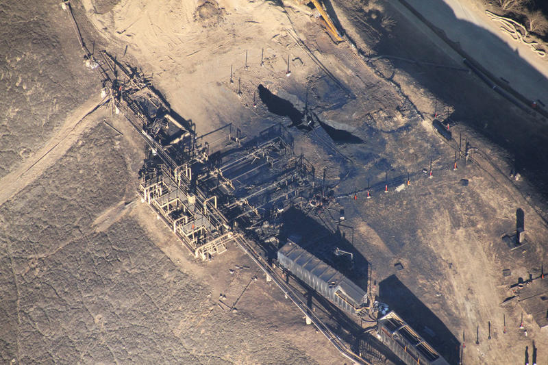 Photo (top): The 2015 leak at the Aliso Canyon natural gas storage facility near Los Angeles was a grim reminder of how devastating methane leaks can be. The Environmental Defense Fund estimates that the four-month leak will have the same 20-year climate