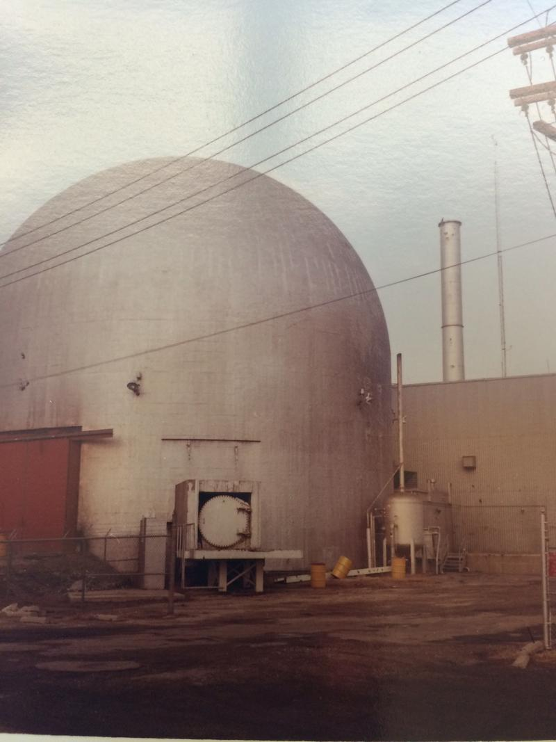 The reactor shell and auxiliary building. This photo was part taken by plant supervisor Karl Seyfrit shortly after the reactor closed.