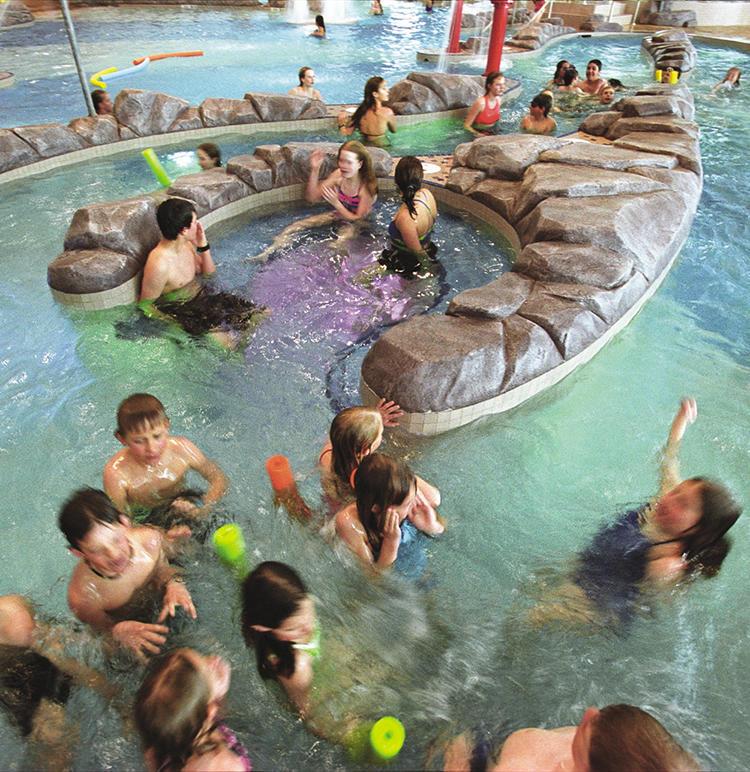 Moss serves as natural filter at ARC pool | Aspen Public Radio