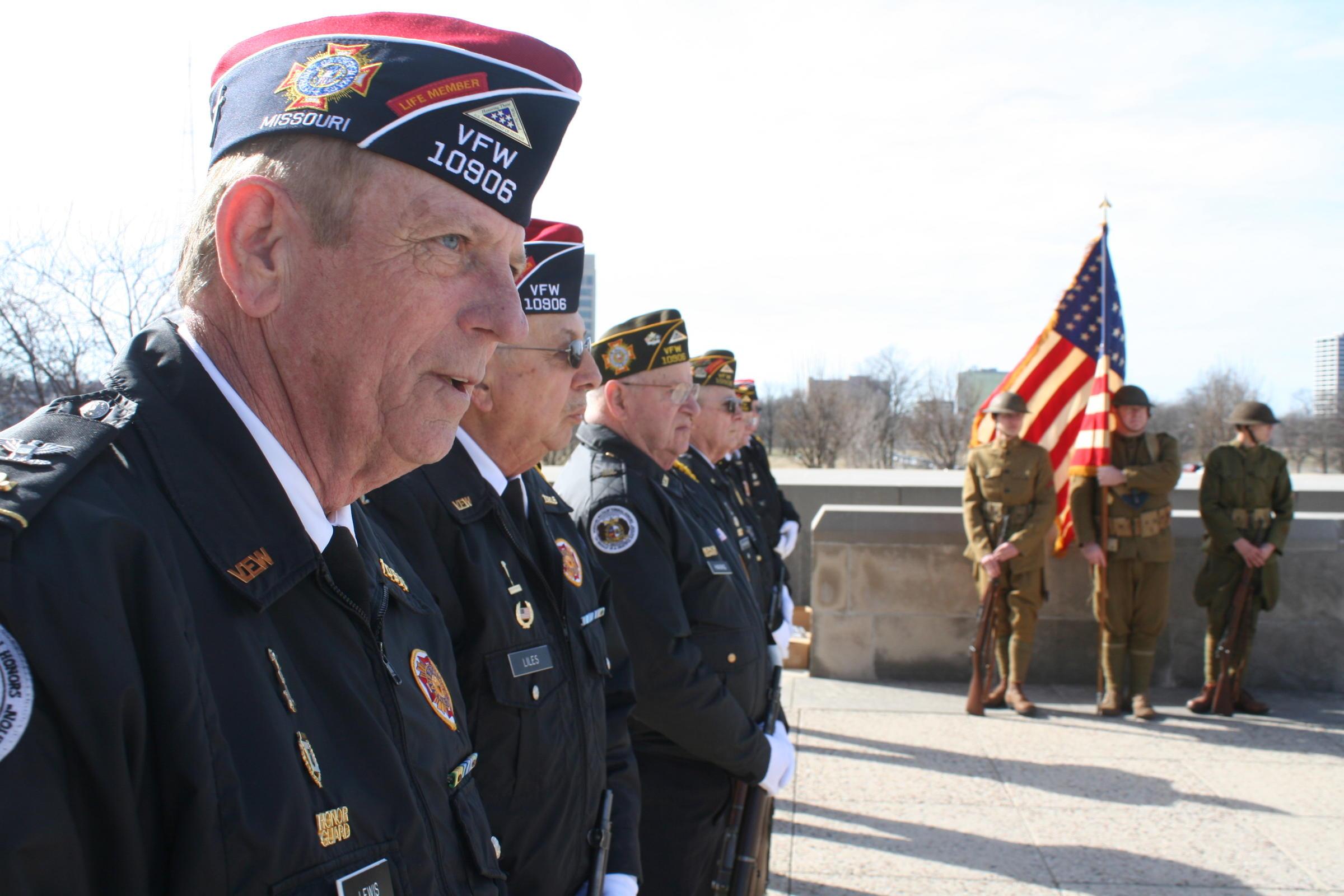 U S  Sen  Roy Blunt to visit St  Louis VA hospital, as