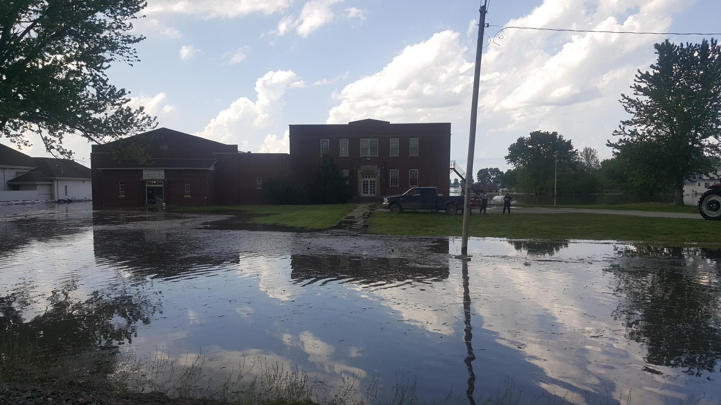 Levee Breach Prompts Evacuations, Water Rescues East Of Kansas City