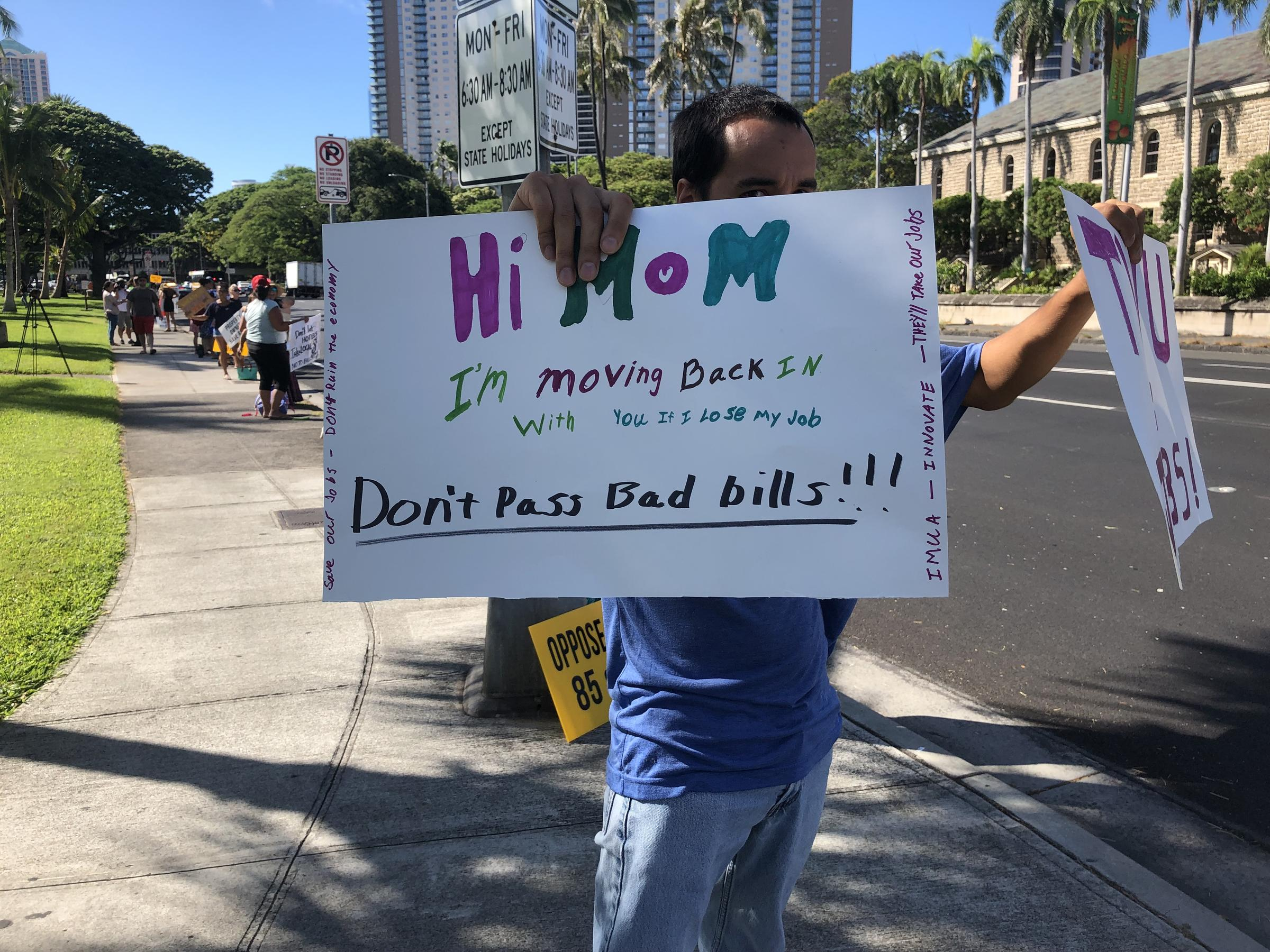 Honolulu Council Adopts Two Approaches To Short-Term Rental