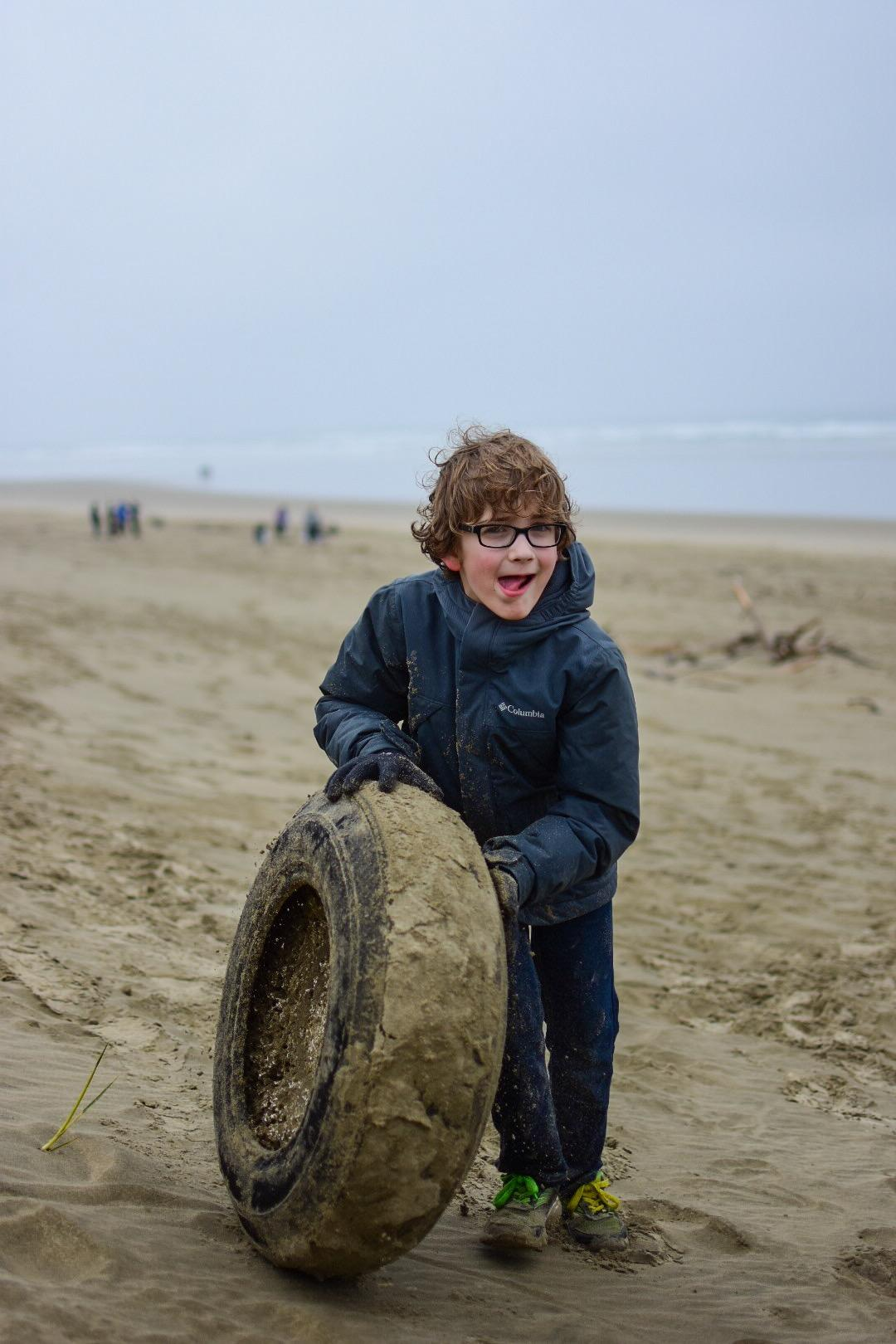 Volunteers Clean Oregon Beaches | KLCC