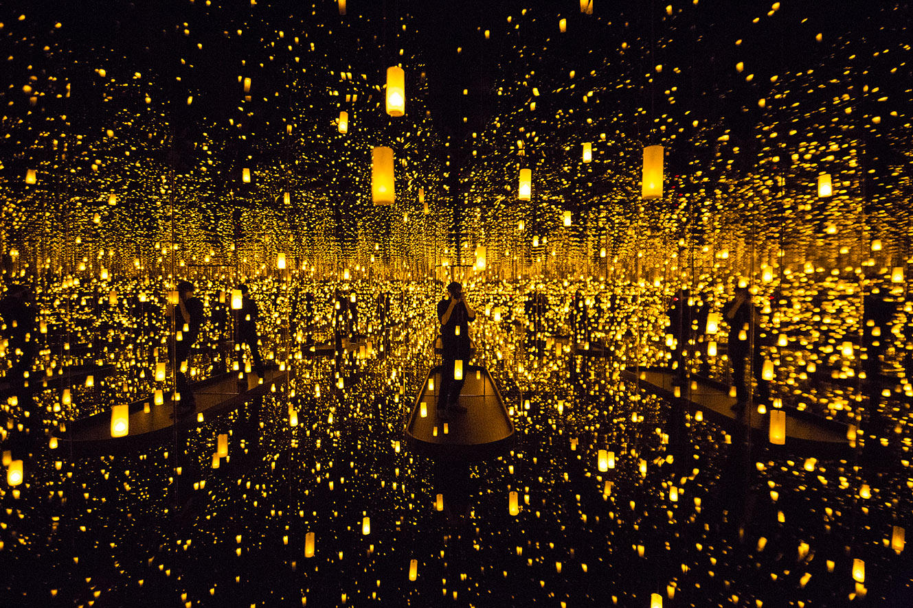 A Look Into The Infinity Mirrors At The Seattle Art
