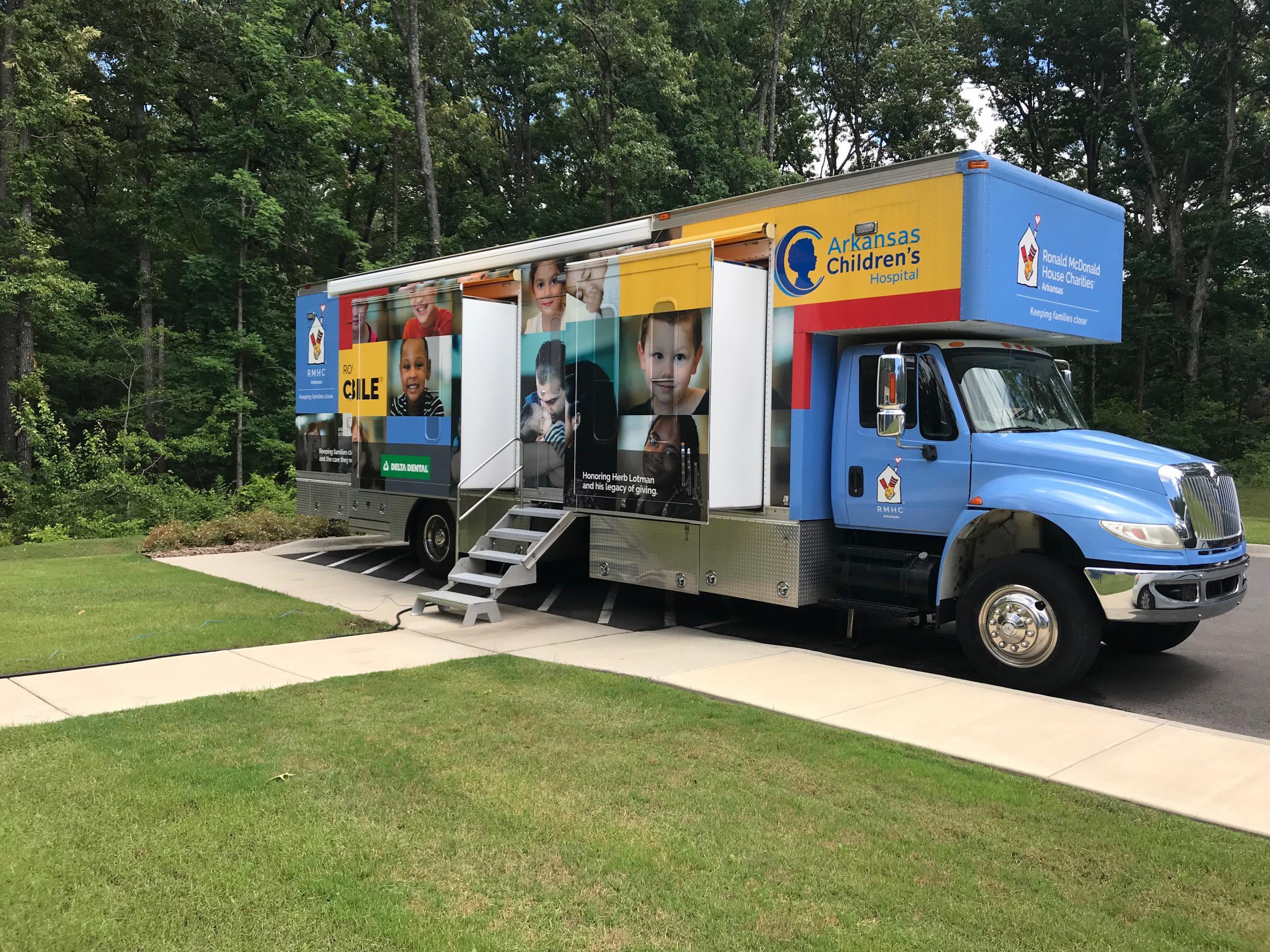 Some Arkansas Dentists Take To The Road   Arkansas Public Media