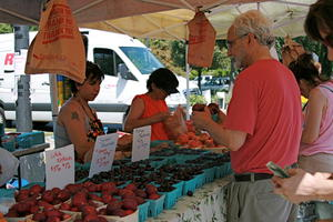 ABQ Growers' Market To Phase Out Plastic | KUNM
