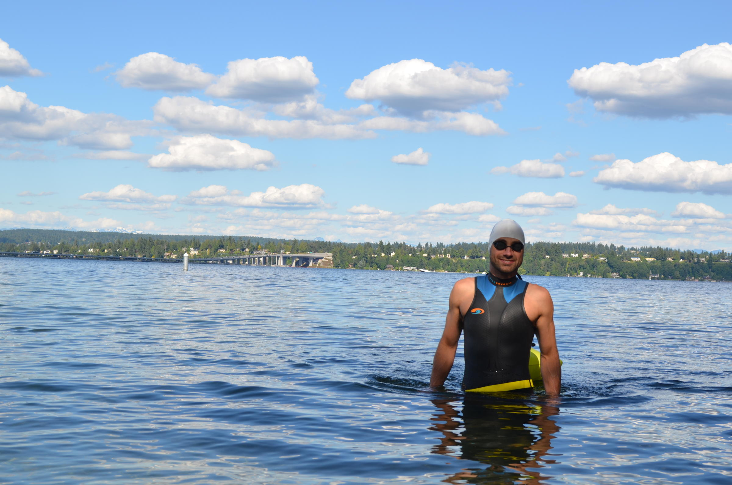 How risky is it to swim in Washington lakes? | KUOW News and