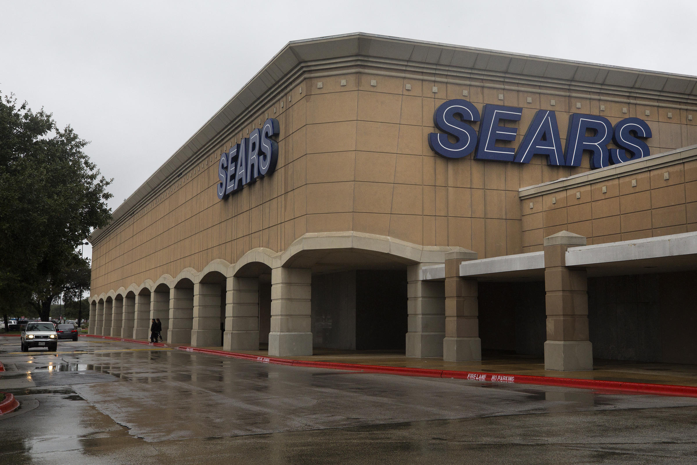 Sears Filed For Chapter 11 Bankruptcy Protection Monday And Announced Plans To Close 142 Of Its S Including The Han Center Barton Creek Square