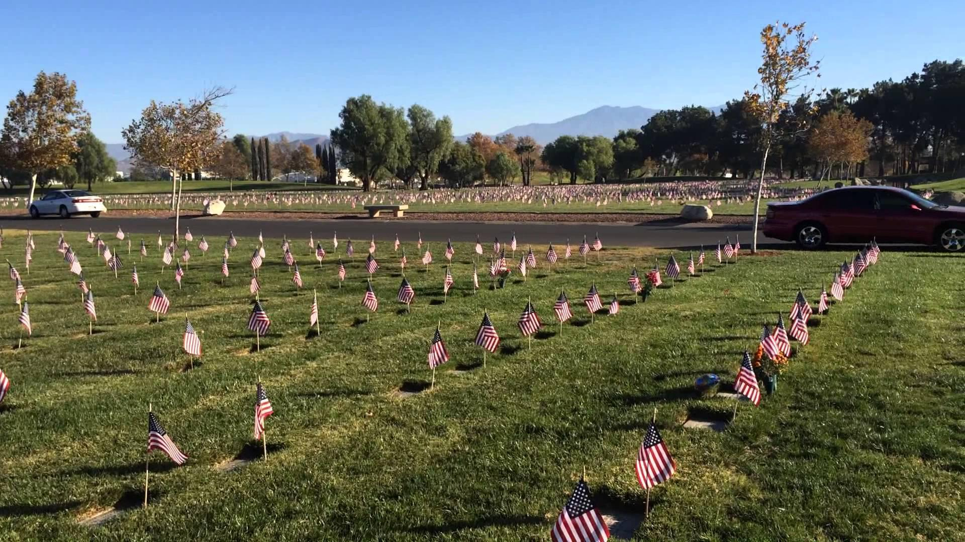 Volunteers Place Thousands of Flags At Riverside National