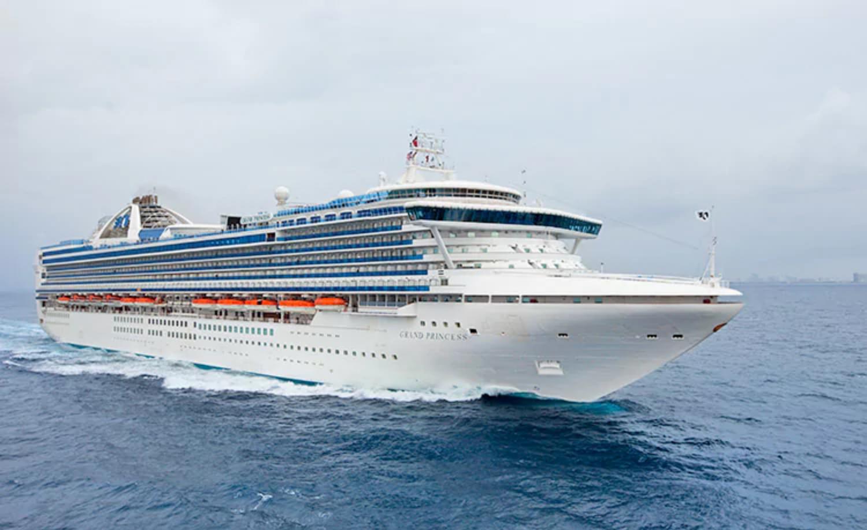NZ bars cruise passengers from disembarking