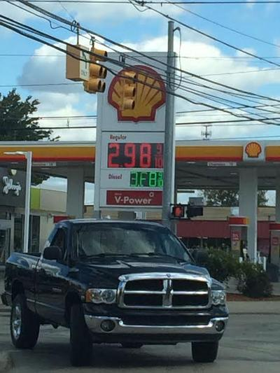 Grand Rapids Gas Prices >> What S Behind The Lower Gas Prices In Michigan Michigan Radio
