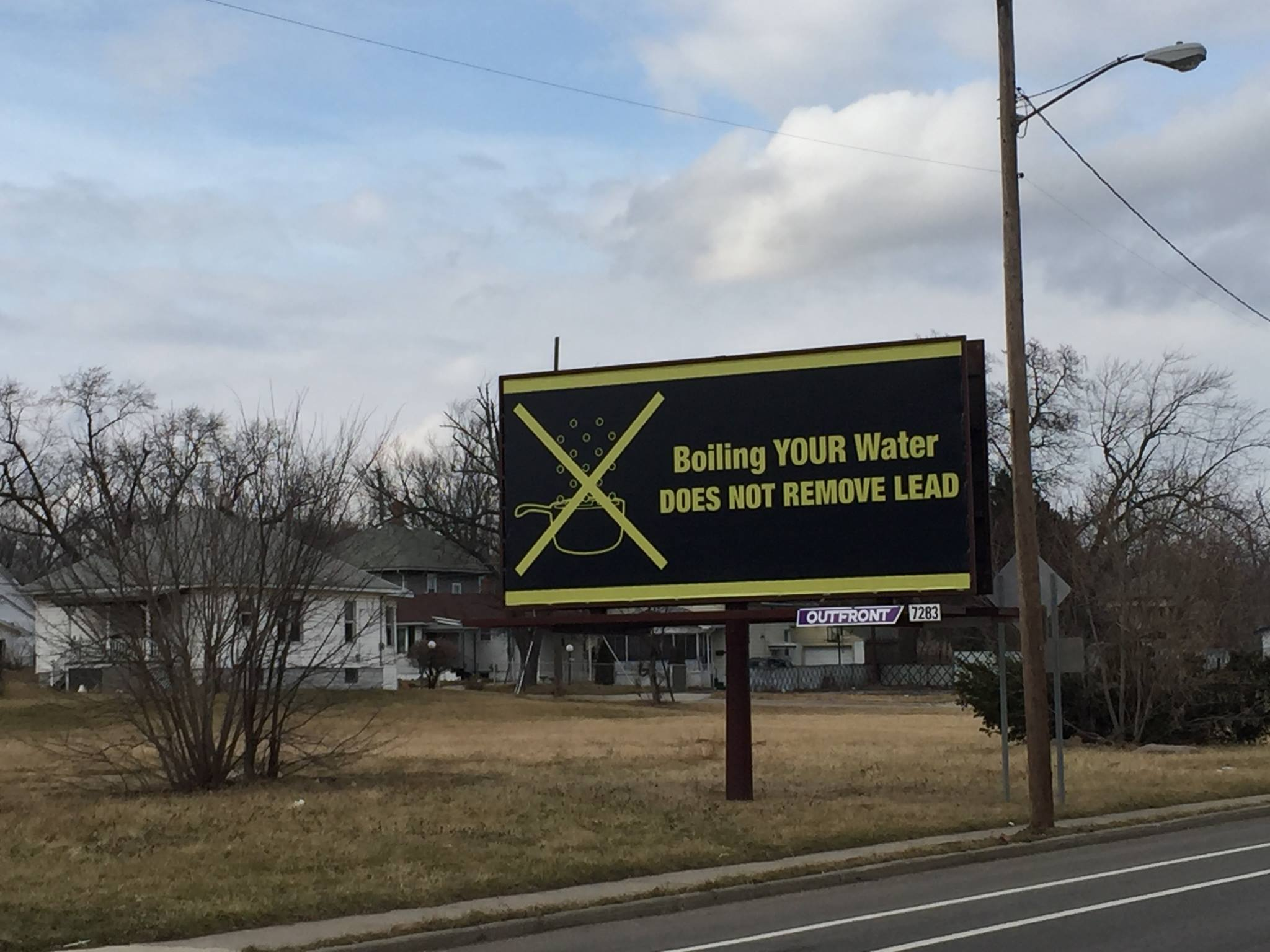 Boil water advisory adds to confusion over how to make Flint