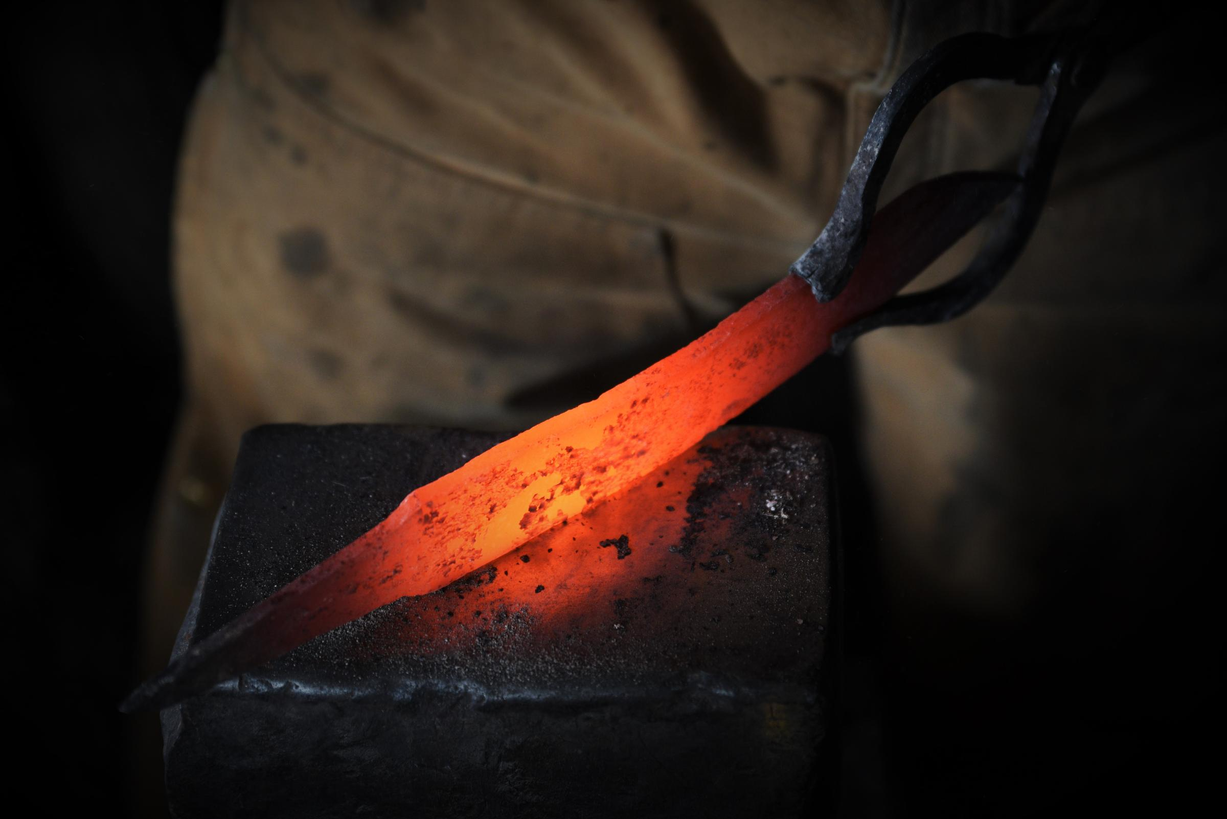 Artisans of Michigan: Finnish knives from Ragged Raven Forge