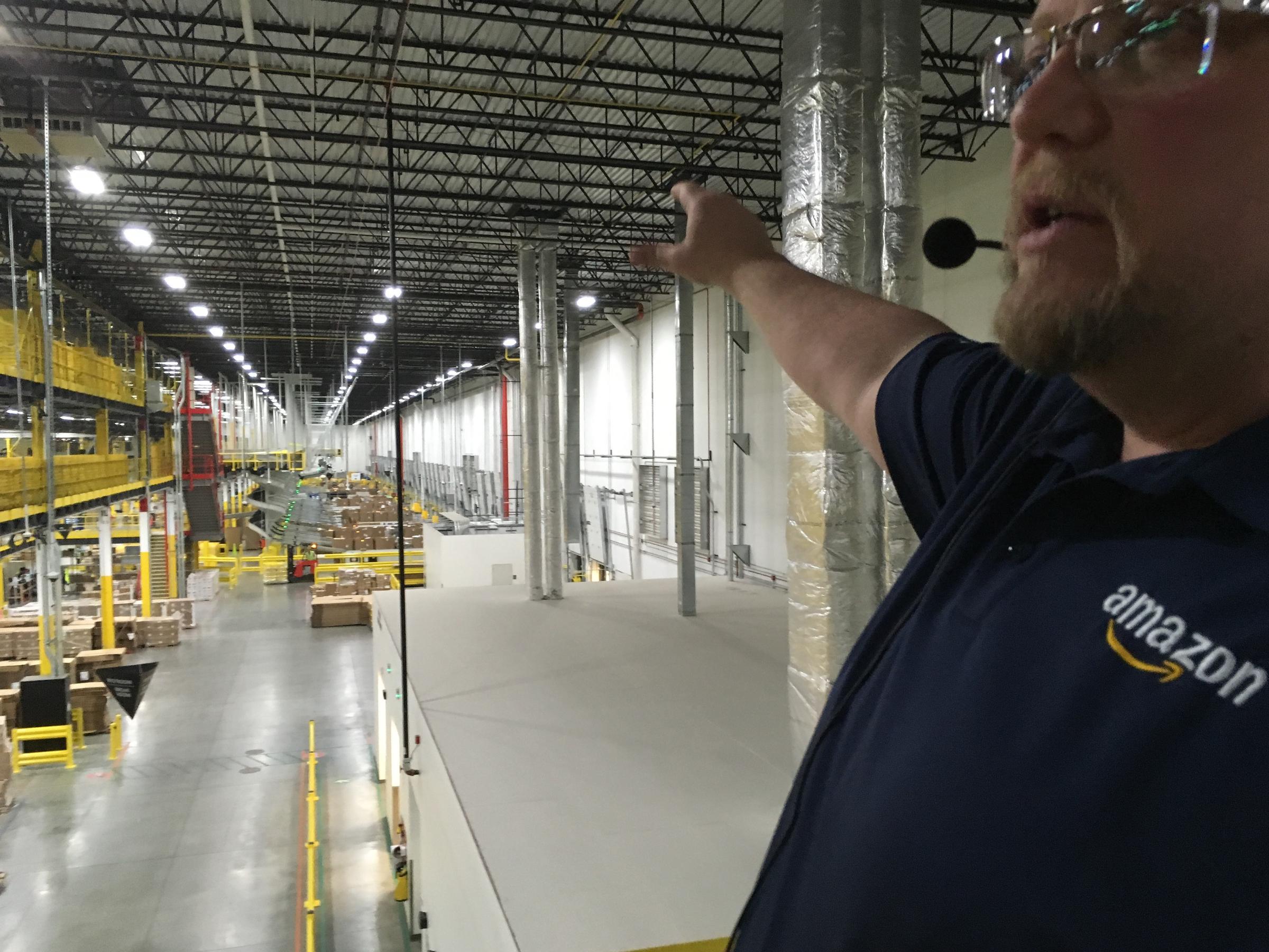 Inside Amazon's massive new fulfillment center in Romulus ...