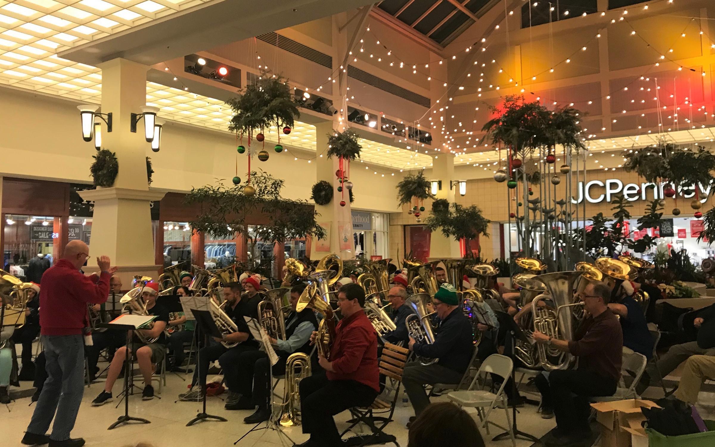 Tuba Christmas.Tuba Christmas A Nationwide Holiday Tradition Prairie
