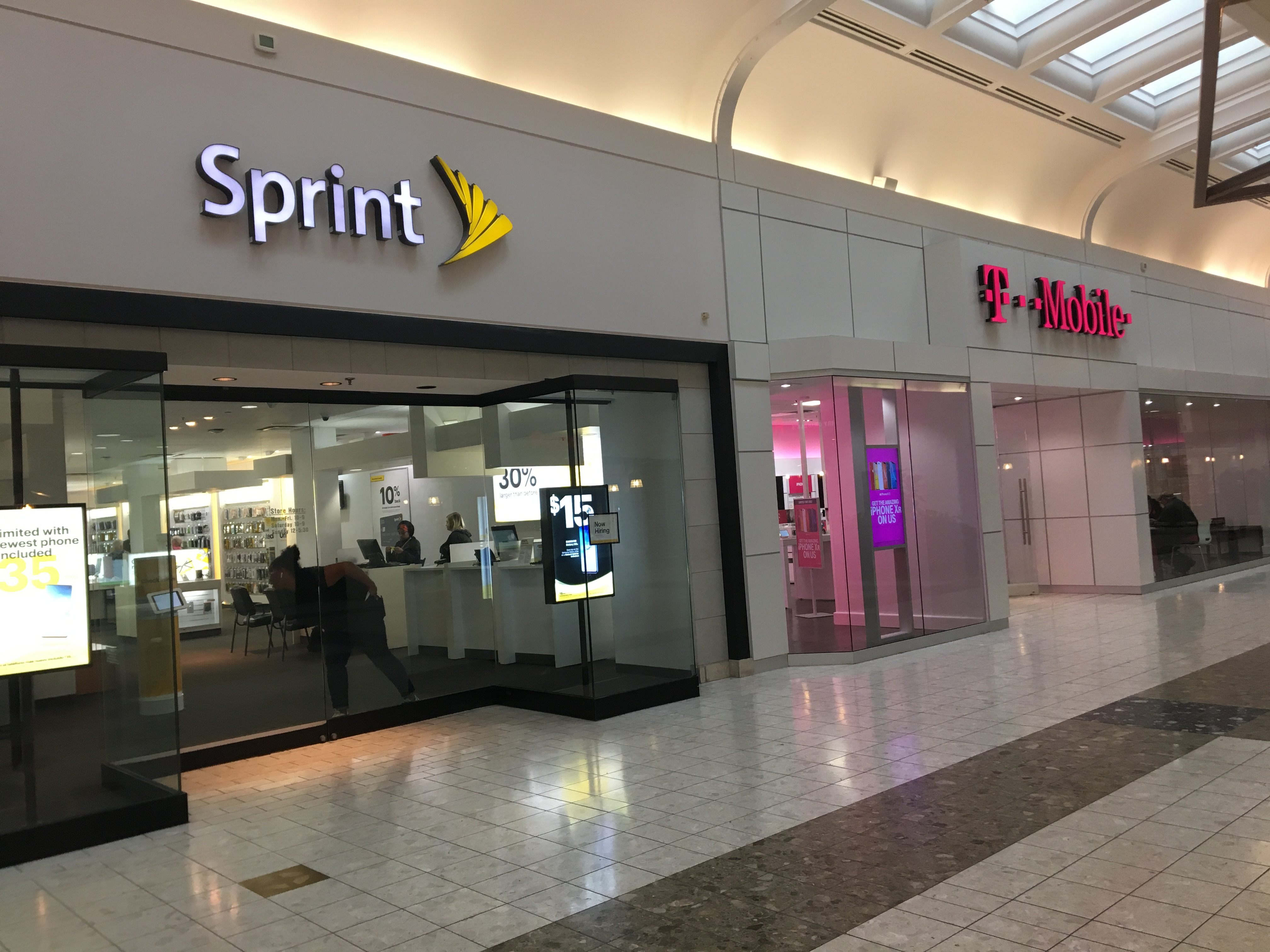 Sprint S Long Sought Merger With T Mobile Is Official Kbia