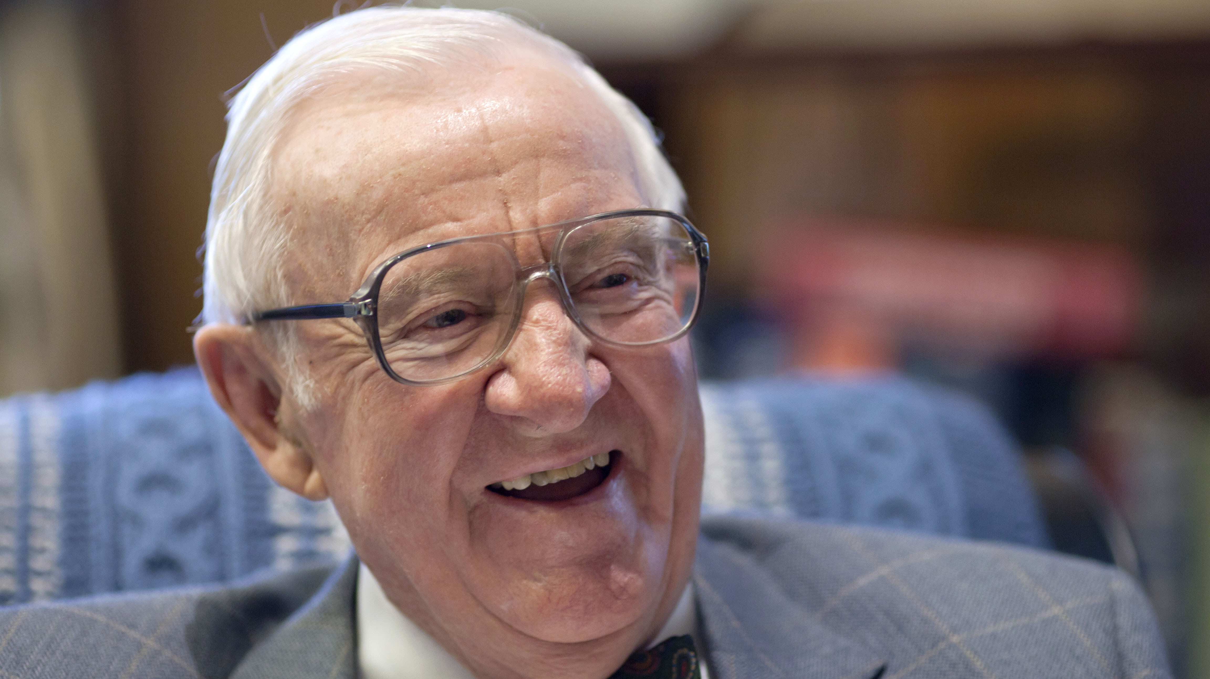 Retired Justice John Paul Stevens A Maverick On The Bench Dies At 99 90 5 Wesa