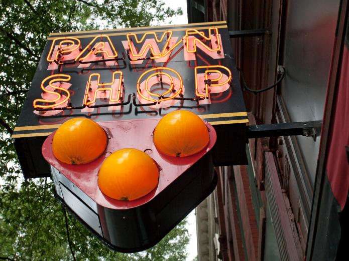 What A Falling Gold Price Means For Pawn Shops   KUNC