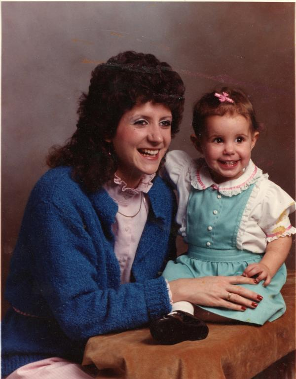 Wendy Davis with daughter Amber in the 1980s.