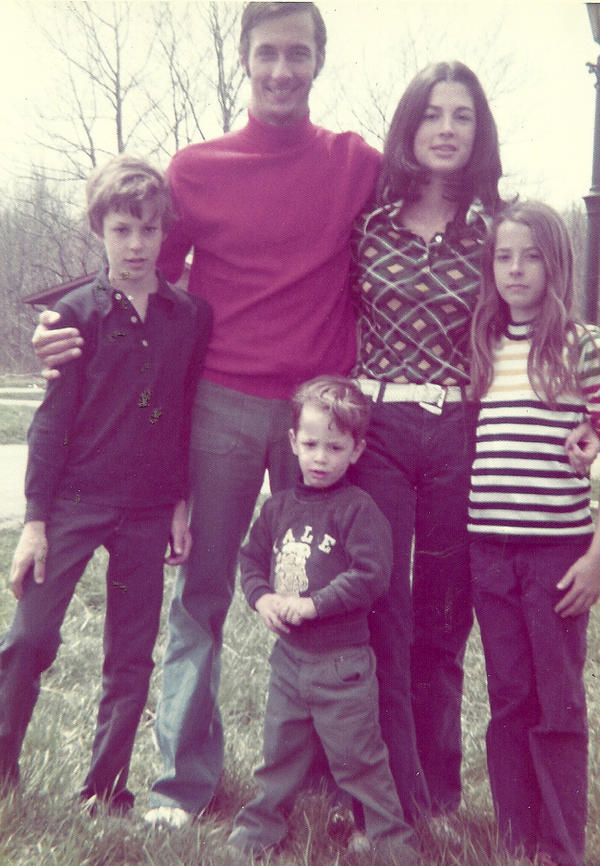 The Schumann family in 1972, including the author, age 3 1/2, center.