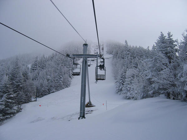 Ski pass deals for the 2015-2016 season give skiers and snowboarders many options.