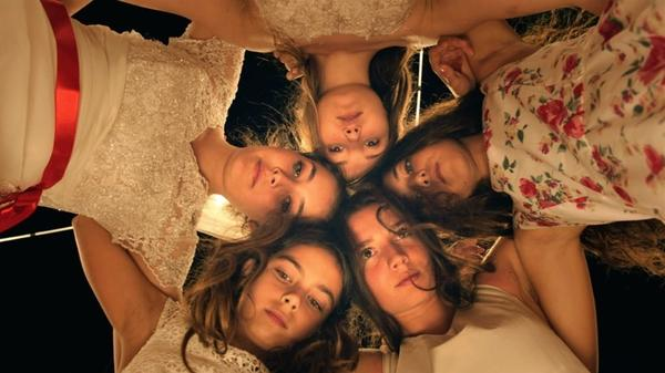 Tugba Sunguroglu, Ilayda Akdogan, Doga Zeynep Doguslu, Elit Iscan and Günes Sensoy play five orphaned teen sisters who live with their grandmother in the film <em>Mustang</em>.