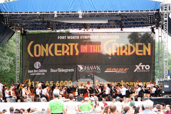 The Fort Worth Symphony performed at the summer series in the Fort Worth Botanical Gardens.