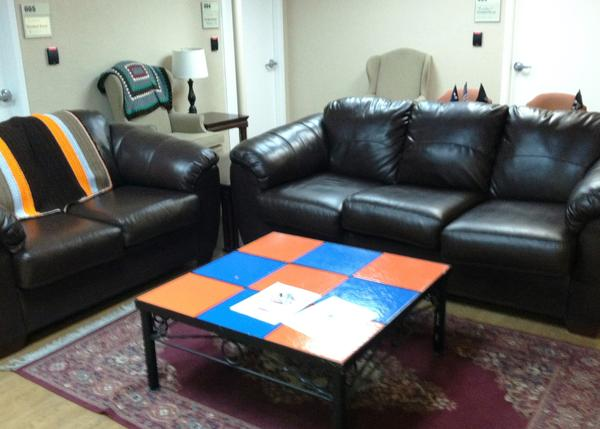 A small lounge area for male veterans. Women vets have their own lounging area.