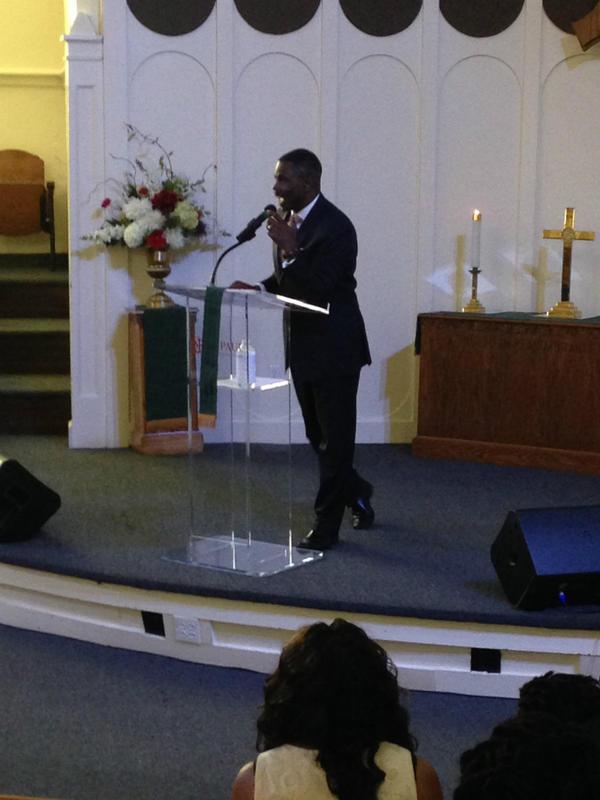 Pastor Richie Butler preaching at St. Paul United Methodist Church in Dallas.