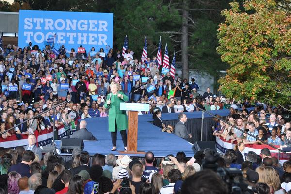 Clinton speaking at UNC Charlotte Sunday