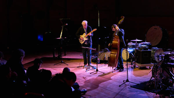 Guitarist Bill Frisell and bassist Thomas Morgan performing live at Winter Jazzfest.