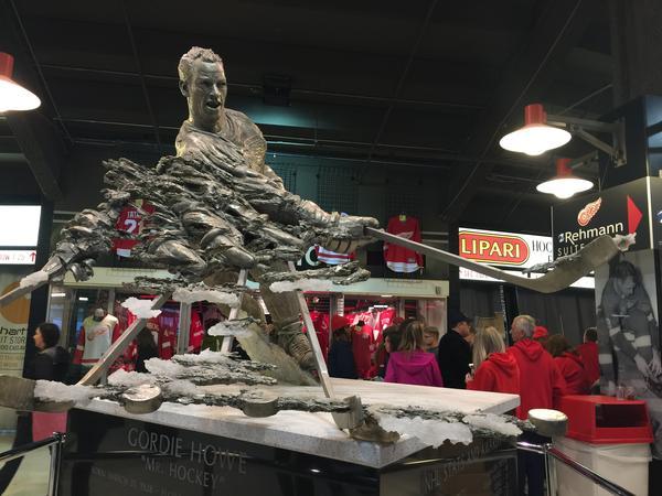 """The statue of """"Mr. Hockey,"""" Red Wings legend Gordie Howe."""