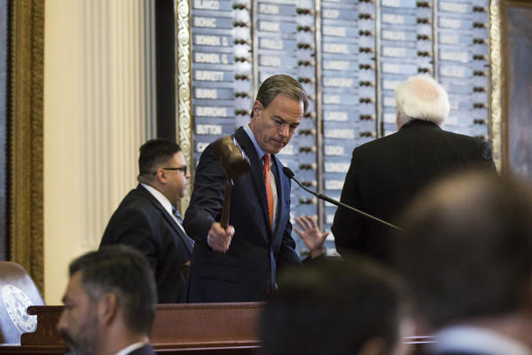 Speaker of the House Joe Strauss gavels the House to order on the first day of the special session Tuesday.