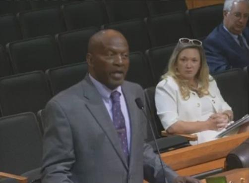 James Muwakkil, president of Lee County's NAACP chapter, tells Lee County commissioners Tuesday that he wants the portrait of Robert E. Lee in their chambers to be replaced with one of him out of his confederate uniform.
