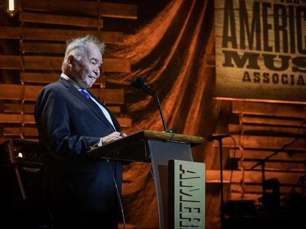 Artist of the Year award winner John Prine at the 2017 Americana Music Association Honors and Awards Ceremony.