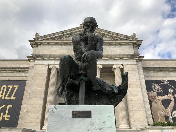 Rodin's The Thinker in front of the Cleveland Museum of Art