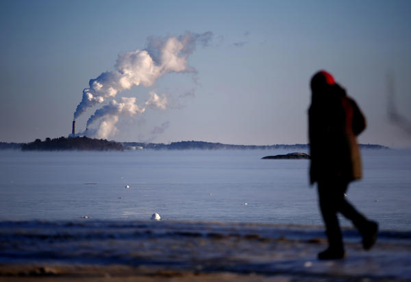 Plumes of steam blow from the Wyman station power plant on Cousins Island in Yarmouth in Jan. 2015, when the temperature at dawn was several degrees below zero.